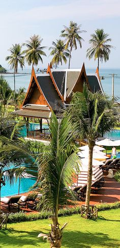 Take a dip in #Thailand's largest swimming pool.