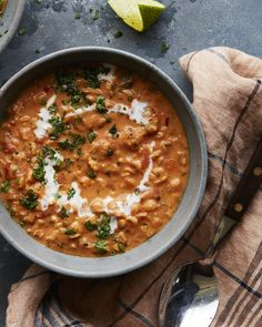 The most perfect (naturally vegan) Curry Lentil Soup in the world! It's the perfect simple dinner and it's great for a take-to-work lunch moment! Curried Lentil Soup, Lentil Curry, Vegetarian Recipes, Cooking Recipes, Soup Recipes, Vegan Soups, Lunch Recipes, Easy Recipes, Cooking Curry