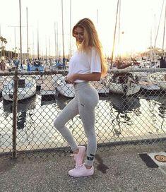 Pamela Reif ( pamela_rf )