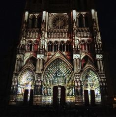 #cathedral #cathédrale #amiens #night #nuit #light #lights #lumiere #lightshow #spectacle #show #studentlife #student #summer #été #igers #igersfrance #latergram #pod #picoftheday #pictureoftheday #photooftheday http://butimag.com/ipost/1553239173313610240/?code=BWONsx4lEIA
