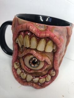 Horror Crafts, Horror Decor, Horror Art, Cute Coffee Mugs, Coffee Cups, Mascaras Halloween, Monster Decorations, Clay Monsters, Special Effects Makeup
