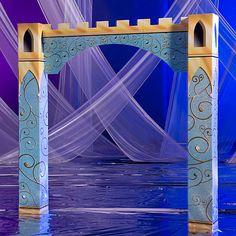 Fairytale Castle Arch - Shindigz