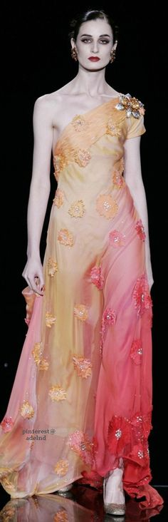 Valentino Spring 2005 Couture ~ CE♥ Beautiful Gowns, Beautiful Outfits, Valentino, Couture Accessories, Ball Gowns Evening, Orange Fashion, Fantasy Dress, Haute Couture Fashion, Couture Collection