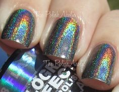 how awesome is this hologram effect polish?!