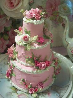 Shabby Cottage Rose cake - Photo inspiration only - links 2 site that sells fake cake slices Gorgeous Cakes, Pretty Cakes, Amazing Cakes, Unique Cakes, Creative Cakes, Rodjendanske Torte, Shabby Chic Cakes, Fake Cake, Occasion Cakes