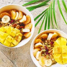 We are excited for the #weekend and feeling #tropical || Check out these #delicious fruit bowls by the talented @daisybeet   #yummy #yum #snack #healthysnack #fruit #delicious #fresh #freshfood #foodie #nomnom #food #eatclean #healthyfood #healthylife #lifestyle #fitness #mydubai #abudhabi #sharjah #foodblogger #foodblog #lifestyle