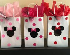 Minnie Mouse pink and gold party cups by DivineGlitters on Etsy