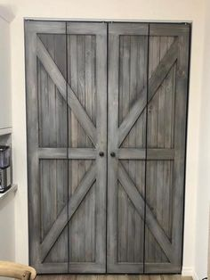 Hinged Bifold Closet Doors - British Brace Design - Home Decor Design Barn Door Closet, Diy Barn Door, Diy Door, Barn Door Hardware, Bi Fold Closet Doors, Bi Fold Doors, Double Doors, Wood Closet Doors, Door Latches