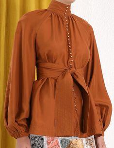 Zimmerman - Ninety-Six Billow Shirt in Tan (silk) Drape Skirt Pattern, Bohemian Attire, Vintage Gowns, Muslim Fashion, Fashion 2020, Women's Fashion Dresses, Shirt Designs, Fashion Design, Fashion Ideas
