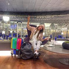 Ewa Chodakowska z walizką TV Set http://bgberlin.pl/index.php/produkt/walizka-duza-tv-set/