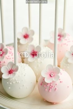 """""""Wedding cake pops"""" Stock photo and royalty-free images on Fotolia.com - Pic 40887847"""