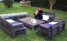 Salon de jardin en palettes pour la famille