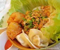 Diary of a Foodaholic: Pangsit Mie Ayam