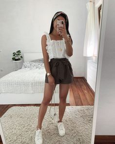 White shirt and sneakers, mini skirt - LadyStyle Source by Outfits verano Basic Outfits, Teen Fashion Outfits, Cute Casual Outfits, Girly Outfits, Short Outfits, Look Fashion, Pretty Outfits, Stylish Outfits, Spring Outfits