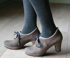 *pets* Need these to hug my feet!