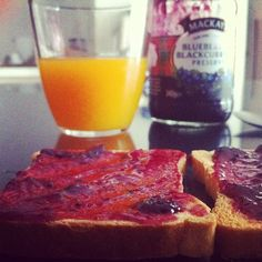 #goodmorning #badday #breakfast #jam #mackays #juice #orangejuice #calories #idc #early #gotup #bed #tired #cold #food #foodporn #hungry