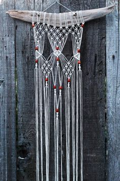 Macramé Wall Hanging on Driftwood with Wood Beads door FreeCreatures