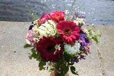 Strauss an der Alster, flowers bouquet, Alster Hamburg, flower deiivery, photo Birgit Puck