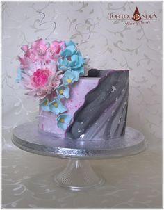 Birthday flowers cake - cake by Tortolandia Art Cakes, Cake Art, Fantasy Cake, Modern Cakes, Doughnut Cake, Anniversary Cakes, Cakes For Women, Crazy Cakes, Flower Cakes