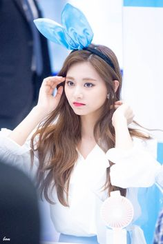 𝚏𝚘𝚕𝚕𝚘𝚠 𝚖𝚎 𝚏𝚘𝚛 𝚖𝚘𝚛𝚎 ©satanjeongyeon The Most Beautiful Girl, Beautiful Asian Girls, Beautiful Women, Twice Jyp, Tzuyu Twice, South Korean Girls, Korean Girl Groups, Mamamoo, Nayeon