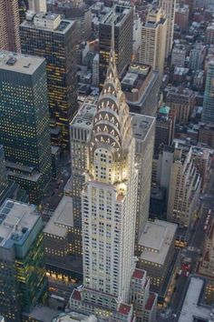 The Mighty Chrysler... NYC......WHAT A BEAUTIFUL PICTURE OF ONE OF THE WORLDS MOST FAMOUS LANDMARKS......WHERE ELSE PEOPLE DO YOU FINE SUCH BEAUTY THAN HERE IN AMERICA......NO WHERE ELSE.....THIS IS JUST A SNAP SHOT OF OUR BEAUTIFUL COUNTRY.....LOVE THIS ONE.