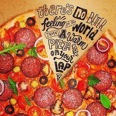 """""""Não há melhor sensação no mundo do que uma caixa de pizza quente no seu colo."""" #apaixonadosporpizza #acasadapizzamelhorderioverde #ilovepizza #rioverde #gastronomía #pizzariarv #pizza"""