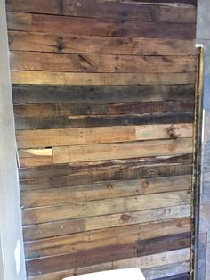 Bathroom pallet wooden box