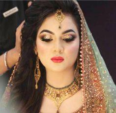 Pakistani bridal makeup mehndi natasha salon 67 Ideas for 2019 Pakistani Bridal Makeup, Best Bridal Makeup, Bridal Makeup Looks, Pakistani Wedding Dresses, Bride Makeup, Bridal Looks, Bridal Dresses, Nikkah Dress, Pakistani Outfits