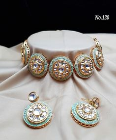 Indian Jewelry Earrings, Indian Jewelry Sets, Indian Wedding Jewelry, Jewelry Design Earrings, Bridal Jewelry, Stylish Jewelry, Fashion Jewelry, Jewelries, Diy Design