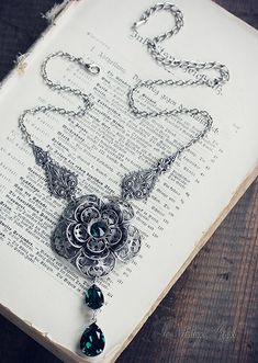 May Queen Necklace