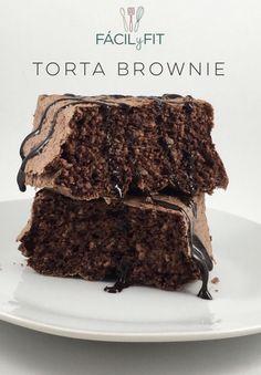 Torta brownie! ingredientes:  1 huevo, 3 claras, esencia de vainilla, edulcorante, 1 cda de cacao, 1 cdita de polvo de hornear, 1 cdita de café (sabor chocolate) canela! Preparación: batir las 4 claras y todos los ingredientes líquidos, agregar los ingredientes secos, volver a batir, verter la mezcla en un molde y llevar a un horno precalentado a 180c por 40 minutos! Servir con un syrup de chocolate sugar free #sinhrina #sinazucar