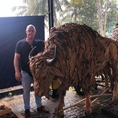 """Rogier van Bijsterveld on Instagram: """"#mega #bizon #houtendieren #animals #zoo #dierentuin #zooantwerpen #zooparis #zooberlin #zooindia #zooblijdorp #burgerszoo"""" Lion Sculpture, Statue, Instagram, Art, Art Background, Kunst, Performing Arts, Sculptures, Sculpture"""
