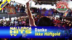 """Ikke Hüftgold, live mit """"Danke"""" auf dem Peter Wackel Bierkönig Partyboot 2014 in Köln. Ikke Hüftgold bedankt sich mit diesem Song bei den Leuten, die an ihn von Anfang an geglaubt haben ihn unterstützt haben – eben bei seinen Fans. http://mallorcahitstv.de/2014/09/ikke-hueftgold-danke-partyboot-2014/"""