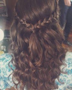Moja dzisiejsza słowiańska panna młoda #365daysofbraids #day44 #braidschallenge #weddinghair #instabraids #warkocze #fryzuraslubna #braidoftheday #instabraids #hairblog #hairstylist