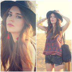 Clara Alonso: blusa y sombrero de Forever 21, shorts de Brandy Melville, sandalias de Urban Outfitters, bolso de Blanco