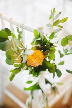 Arancione ed erbe aromatiche per un matrimonio country chic