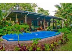 Beachfront cottage with large private saltwater pool - FIJI