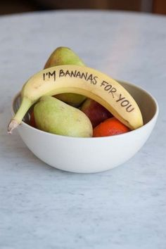 """Neiro made me lunch with  """"melanie"""" banana in it. This needs to be left for him next time. eeeeee!"""