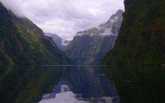 Doubtful Sound - atemberaubend schöner Fjord im Fiordland Nationalpark - Südinsel, NZ. Groß, weniger touristisch, still & ideal für Abenteuer & Kajak Touren
