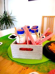 the kakaobar Toothbrush Holder, Birthday Parties, Picnic, Basket, Outdoor, Anniversary Parties, Outdoors, Birthday Celebrations, Picnics
