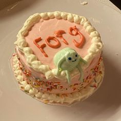 Pretty Birthday Cakes, Pretty Cakes, Funny Birthday Cakes, Cute Food, Yummy Food, Frog Cakes, Un Cake, Think Food, Cute Desserts