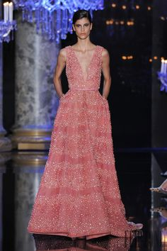 Elie Saab Fall-winter 2014-2015 - Couture - http://www.flip-zone.com/fashion/couture-1/fashion-houses/elie-saab-4809 - ©PixelFormula