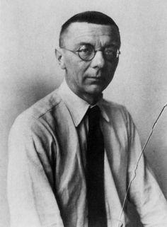 The School of Bauhaus/ Joost Schmidt Bauahus Student, 1919–1925 and Young Master, 1925–1932.