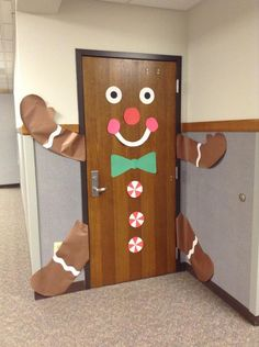 gingerbread door decoration