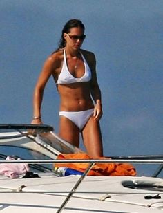 Kate looks Fit and Healthy in her white Bikini