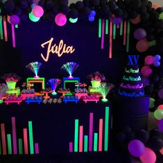 A little on the fifteenth of Julia . Soon tale more 🤗 # 15 years old . 13th Birthday Parties, Birthday Party For Teens, 14th Birthday, Birthday Party Themes, Neon Birthday Cakes, Teen Birthday, Neon Sweet 16, Neon Party Decorations, Glow Stick Party