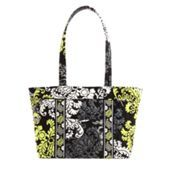 Mandy | Vera Bradley   Love this fun handbag…   :)