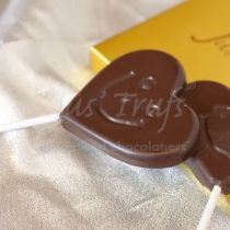 ROMANTIC I MISS YOU WV RIMY 105: Show your loved ones how much you think of them,I Miss You bar, created from our dark couverture and 4 heart shaped chocolates from our Signature range, almond, cashew, butterscotch.Add your gift message.
