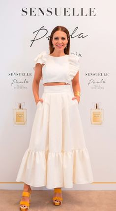 Costura de gladys How to sew midi skirt with sheets like Paula Echevarria& - The How of Things you can find similar pins below. We have brought t. Look Fashion, Hijab Fashion, Girl Fashion, Fashion Dresses, Fashion Design, Skirt Outfits, Chic Outfits, Dress Skirt, Dress Up