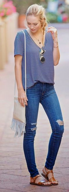 Street style | Casual stripes, jeans, sandals, purse